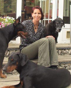 Bettina Kohler mit ihren Hunden